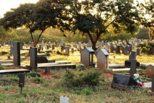 Stealing From The Dead: Shocker As Daring Thieves Steal A Tombstone From A Grave-iHarare