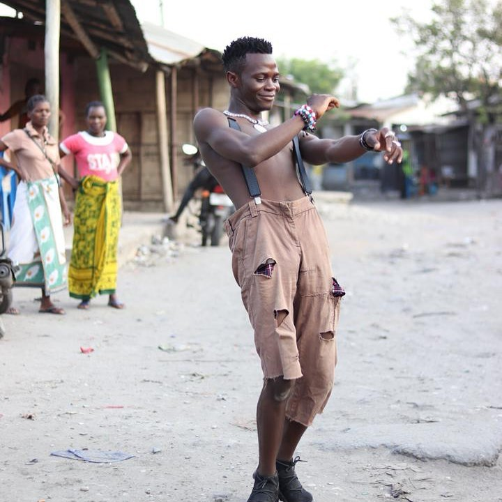 Jah Master Attacks, Kicks Fan On Stage