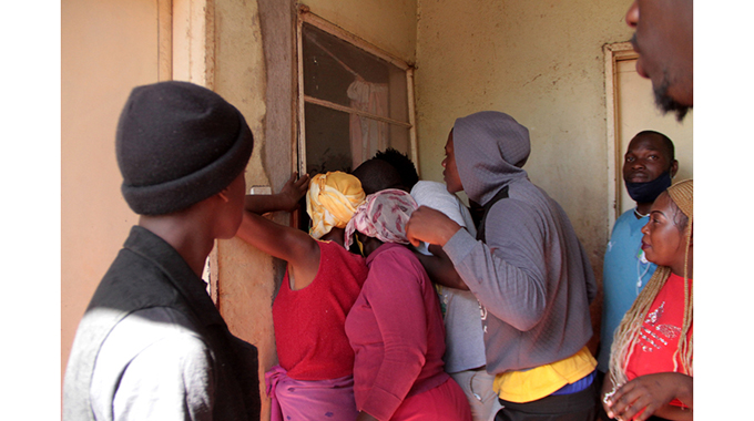 Chaos In Chitungwiza After Jackal Found In House