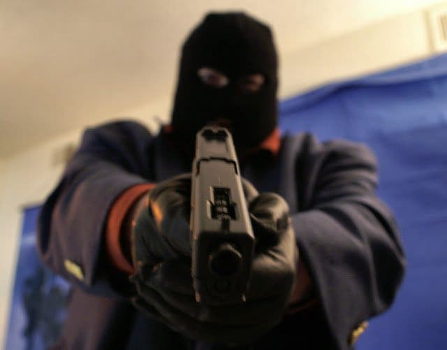 Chitungwiza Woman Loses US$20k To Armed Robbers