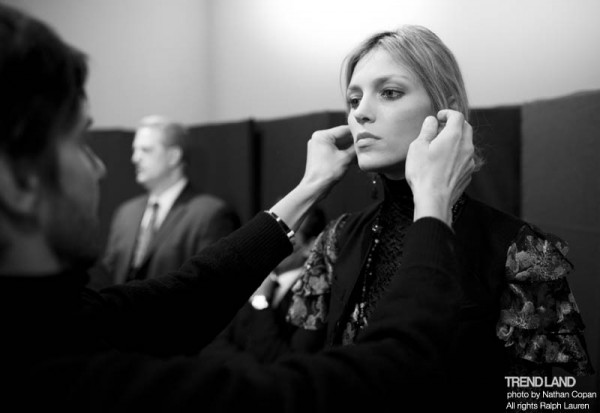ralph lauren backstage nyfw10 13 600x413 From The First Sketches to the Runway: Exclusive Ralph Lauren Backstage