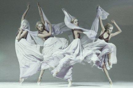 jan masny photgraphy ballet 5 600x395 Monochromatic Ballet Squad by Jan Masny