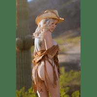 NakedCowgirl_02-JbXvZJ-drnleM0j.jpg