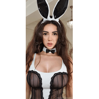 caylinlive-12-04-2020-31326545-This_bunny_is_wishing_you_Happy_Easter-0NFPSXvx.jpg