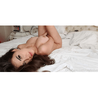 caylinlive-17-03-2020-25959396-My_bed_is_comfy-X5qC7p5X.jpg