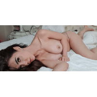 caylinlive-17-03-2020-25959397-My_bed_is_comfy-yqlE9pc1.jpg
