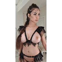 caylinlive-18-12-2019-16684762-Do_you_like_this_outfit-ish-CfEu0ikR.jpg