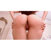 caylinlive-30-04-2019-6382350-booty_close-ups._Let_s_reach_those_200_subscribers_for_an_ASMR_audio_posted_exclusively_he-A9AzcBUK.jpg