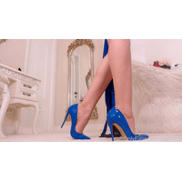 caylinlive-31-03-2019-5742730-Electric_blue_high_heels_and_naked_body_great_combination_right-YkP29AaD.jpg
