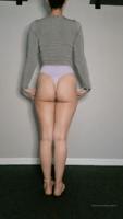 jamie_marie-23-02-2020-23215564-Yummy_forward_fold-CCdhCDly.mp4