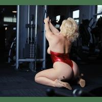 stefania-ferrario-gym-8-zi98WQVp.jpg