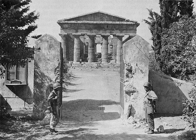 le temple de Neptune utilisé comme Headquater