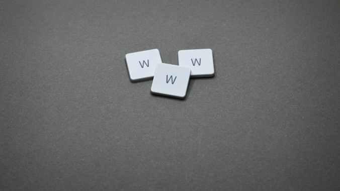 three w game tiles