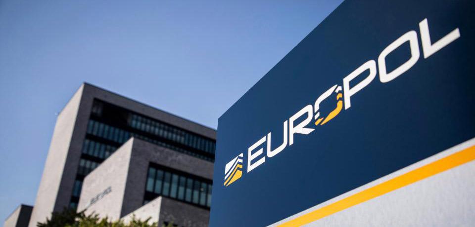 EUROPOL: Kyberzločinci presúvajú svoju pozornosť na väčšie avýnosnejšie ciele