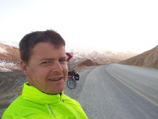 The last climb before reaching Sürgü was bitterly cold.