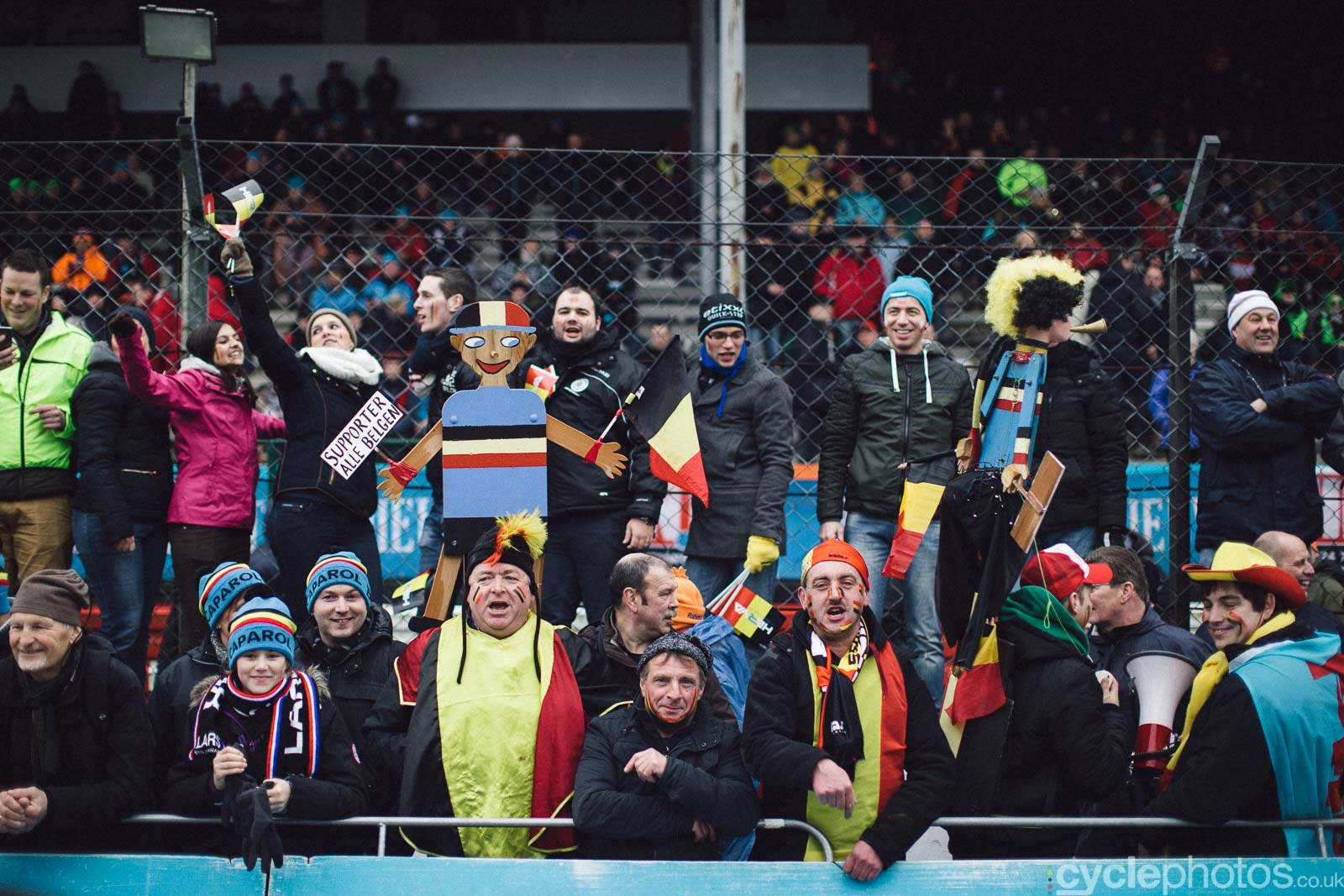 2016-cyclephotos-cyclocross-world-championships-zolder-120142-spectators