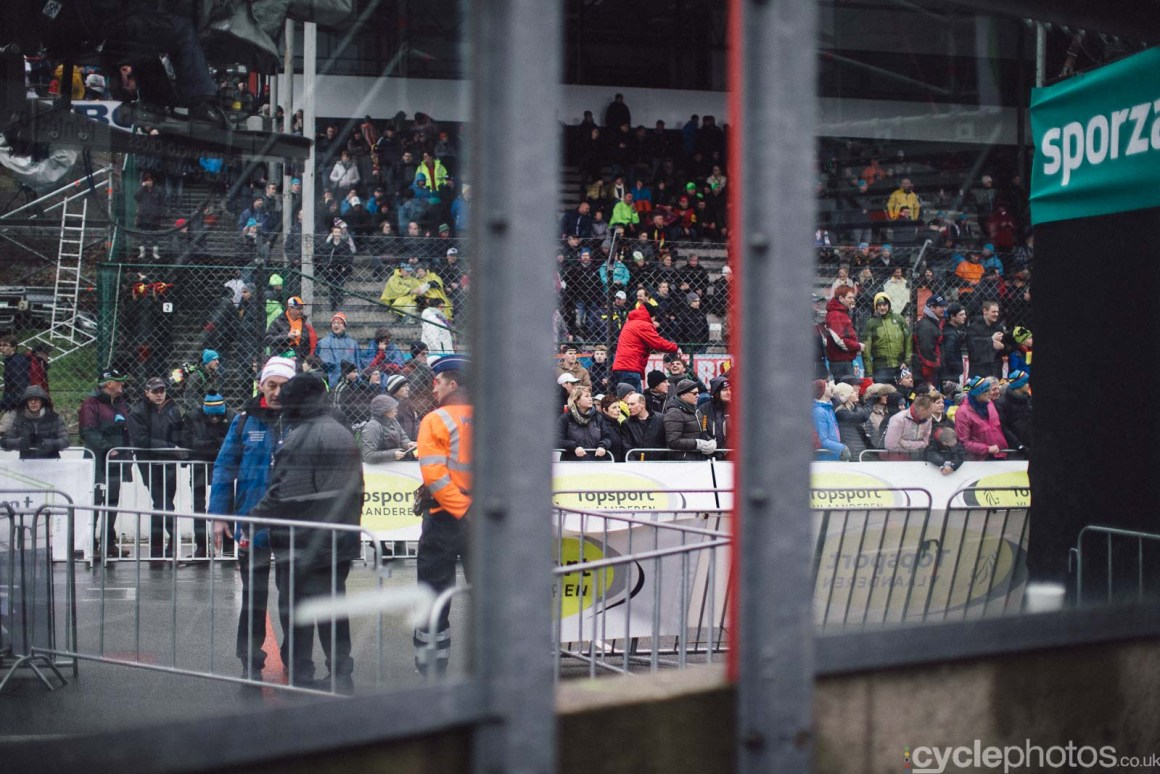 2016-cyclephotos-cyclocross-world-championships-zolder-120354-spectators