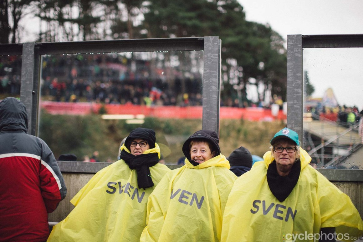 2016-cyclephotos-cyclocross-world-championships-zolder-142529-supporters
