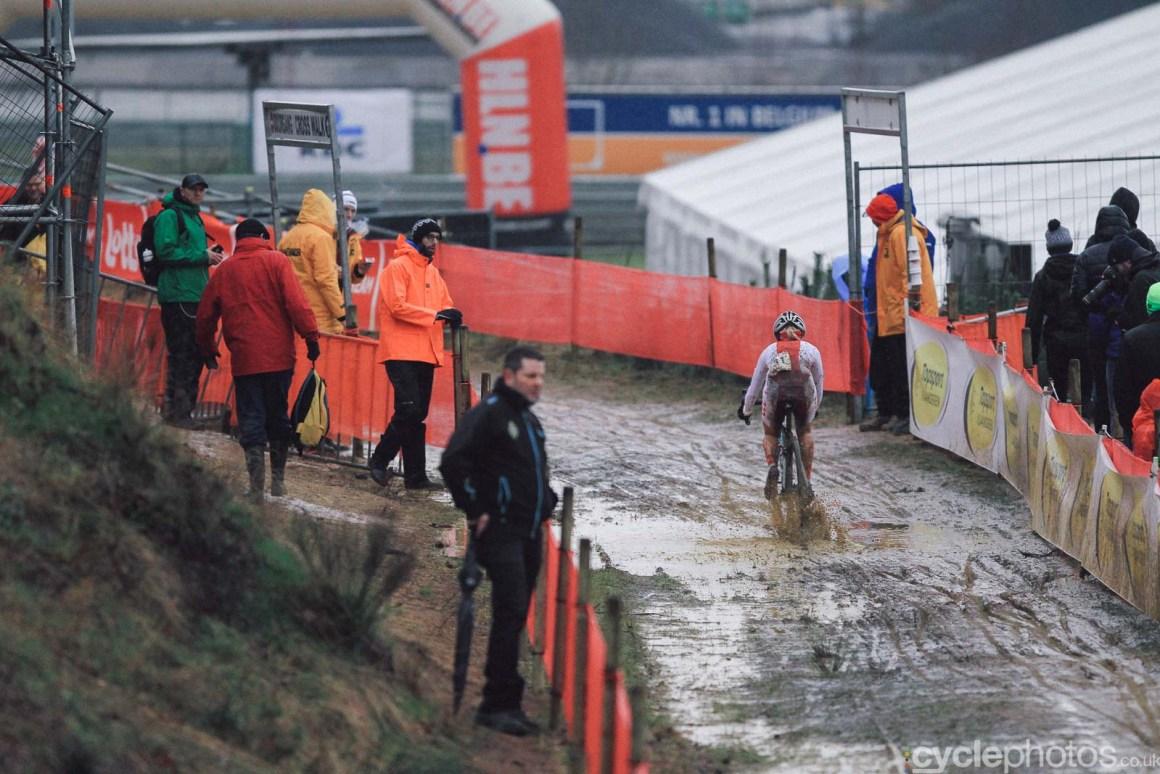 2016-cyclephotos-cyclocross-world-championships-zolder-152204-olga-wasiuk