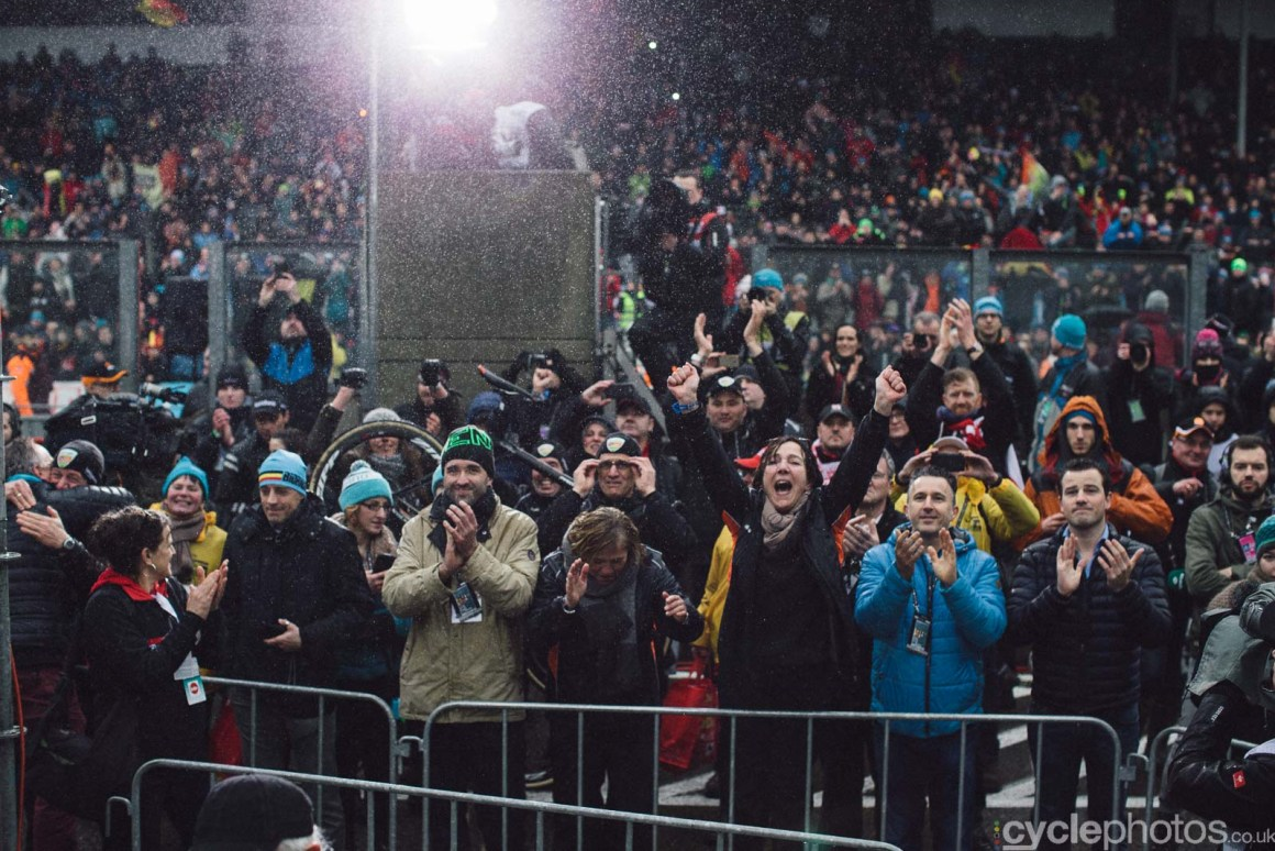 2016-cyclephotos-cyclocross-world-championships-zolder-162053-crowds