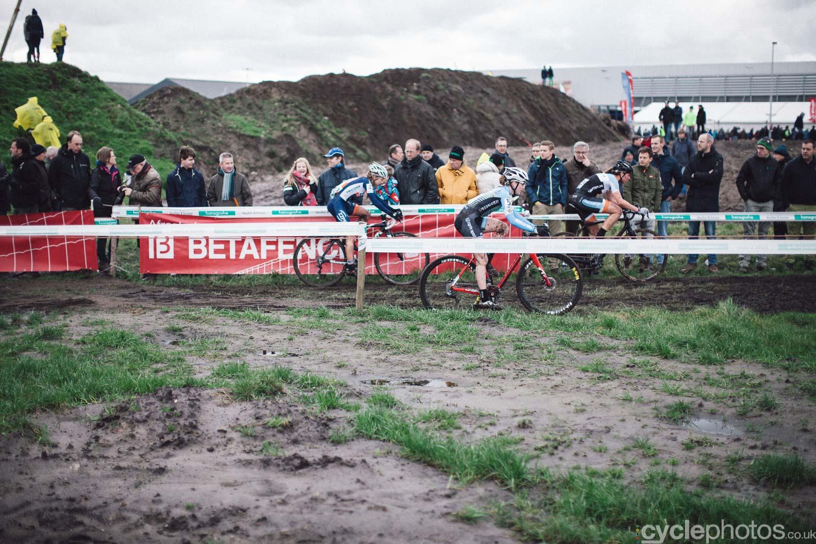 2016-cyclephotos-cyclocross-hoogstraten-140102-sophia-gomez