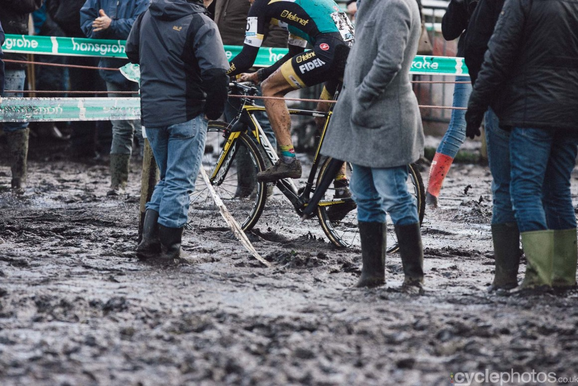 2016-cyclephotos-cyclocross-hoogstraten-153751-tom-meeusen