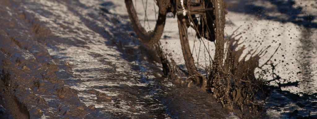 Throwback Thursday – My first muddy cyclocross race and lessons in forgery