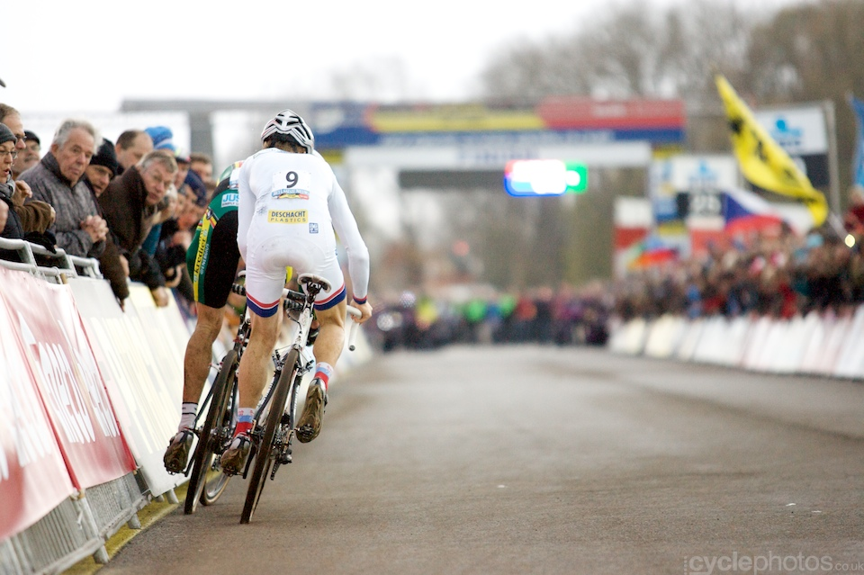 THE sprint of the year, at Koksijde, Sven Nys vs Kevin Pauwels, the old guard against the new titan.