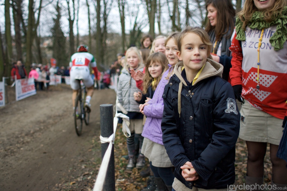 Kids from the local nursery school. Sven Nys seemed to be their favourite rider and they were more than happy to pose for the camera.