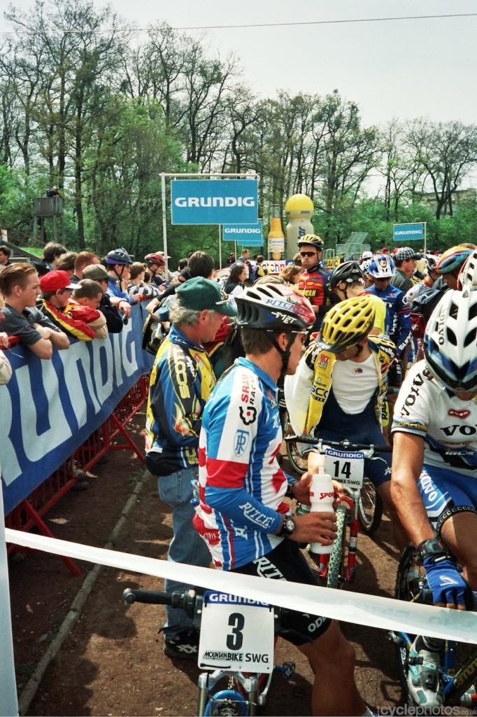 Thomas Frischknecht and an unknown Scott rider behind him