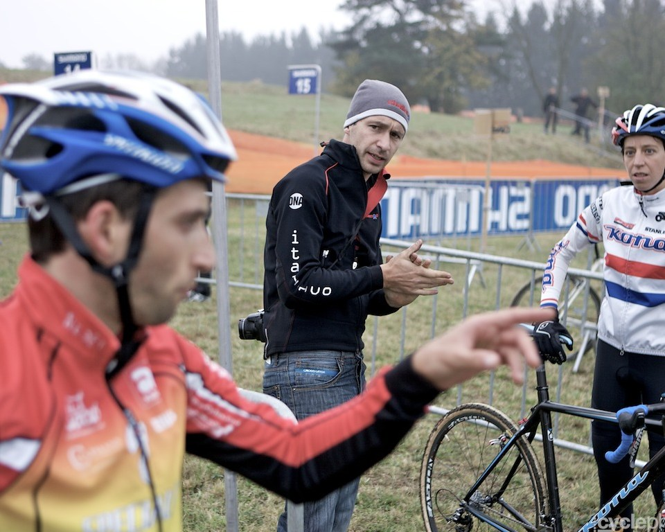Ian Field and Helen Wyman chats about the course on the day before the first round of the cyclocross World Cup in Tabor, Czech Republic.