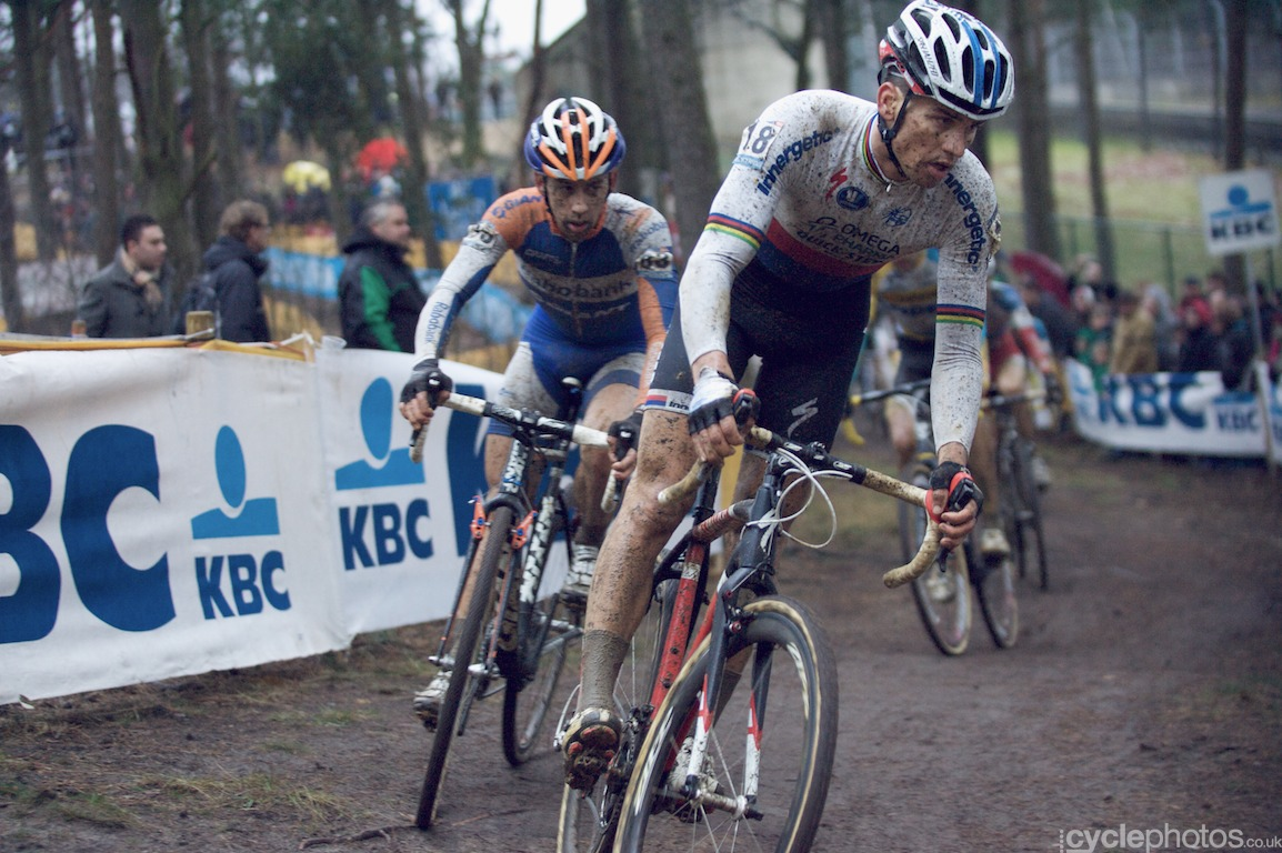 Stybar and the chasing group that consisted of Lars van der Haar, Radomir Simunek and Bart Aernouts