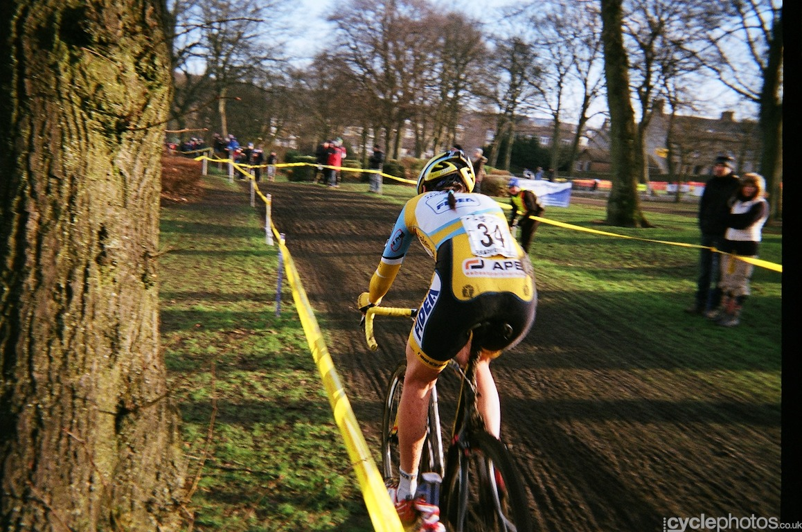 Nikki Harris en route to win the British National Cyclocross Championships for the first time in her career in Bradford, United Kingdom. Photo by Balint Hamvas / Cyclephotos.co.uk