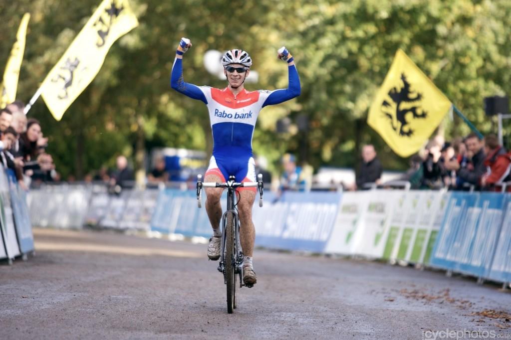Lars van der Haar wins his first ever elite men cyclocross World Cup race on home soil, in Valkenburg