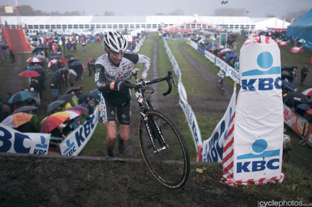 Michael Vanthourenhout in the second lap of the U23's cyclocross Superprestige race in Hamme-Zogge