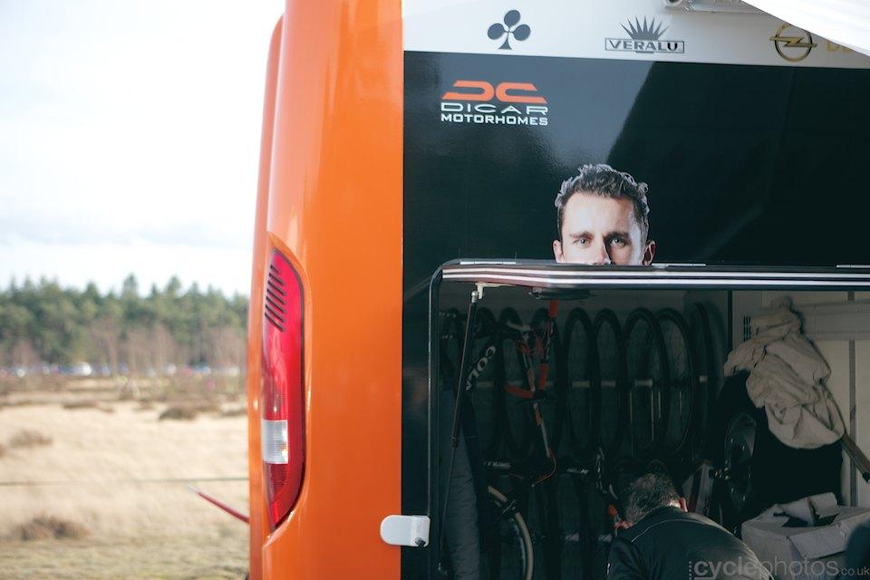 2014-cyclocross-bpostbanktrofee-sluitingsprijs-062-rob-peeters-truck