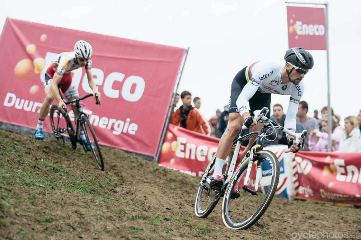 Current cyclocross World Champion tackles a technical descent in the second lap of the Bpost Bank Trofee cyclocross race in Ronse. Photo by Balint Hamvas / cyclephotos.co.uk