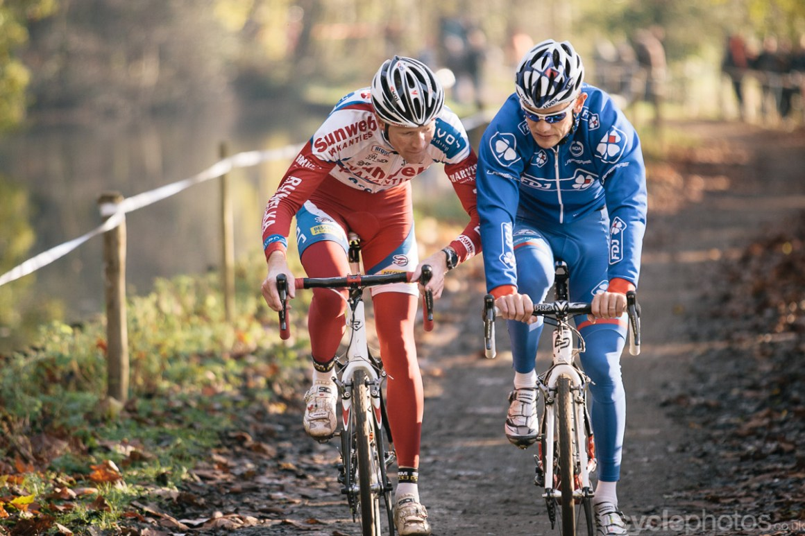 2011 - A friendly nudge between Klaas Vantornout and Steve Chainel