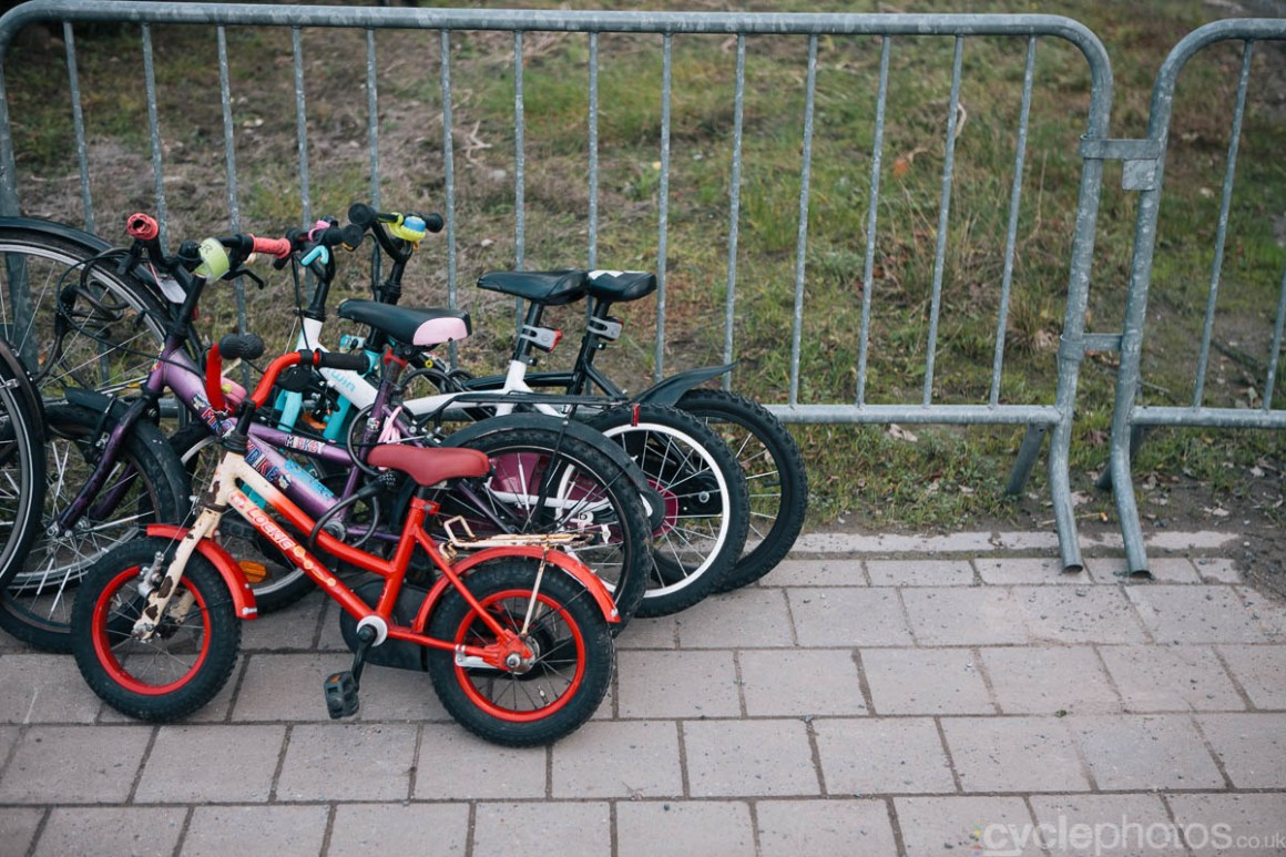 2014-cyclocross-superprestige-ruddervoorde-bike-parking-161414