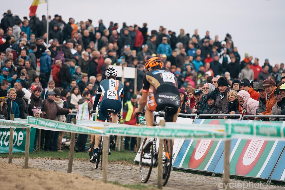 2014-cyclocross-superprestige-ruddervoorde-screaming-lady-in-pink-163321