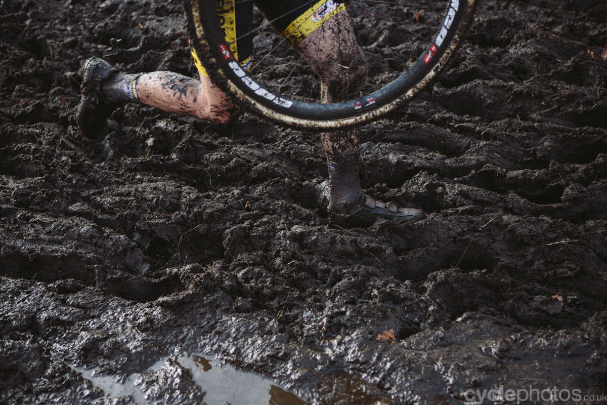 2014-cyclocross-bpost-bank-trofee-essen-mud-124425