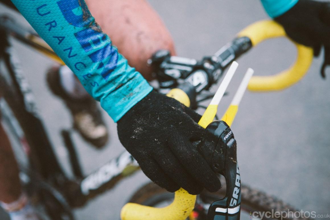 2014-cyclocross-overijse-hand-152724