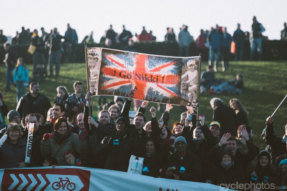 2014-cyclocross-world-cup-milton-keynes-nikki-harris-supporters-152336