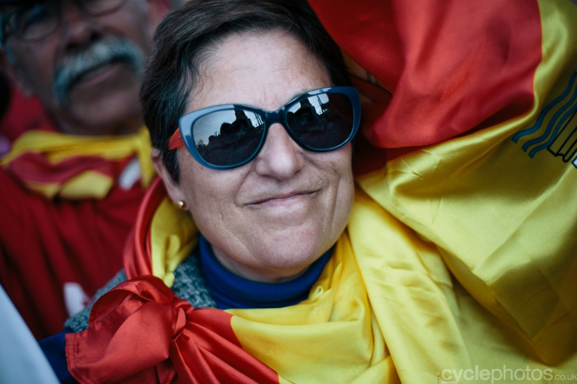 2015-womens-road-160638-valverde-supporter