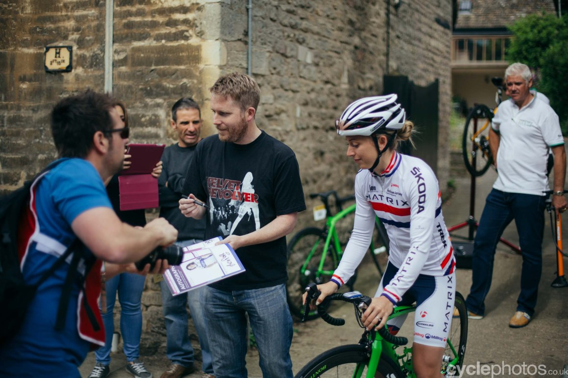cyclephotos-womens-tour-of-britain-090629-laura-trott