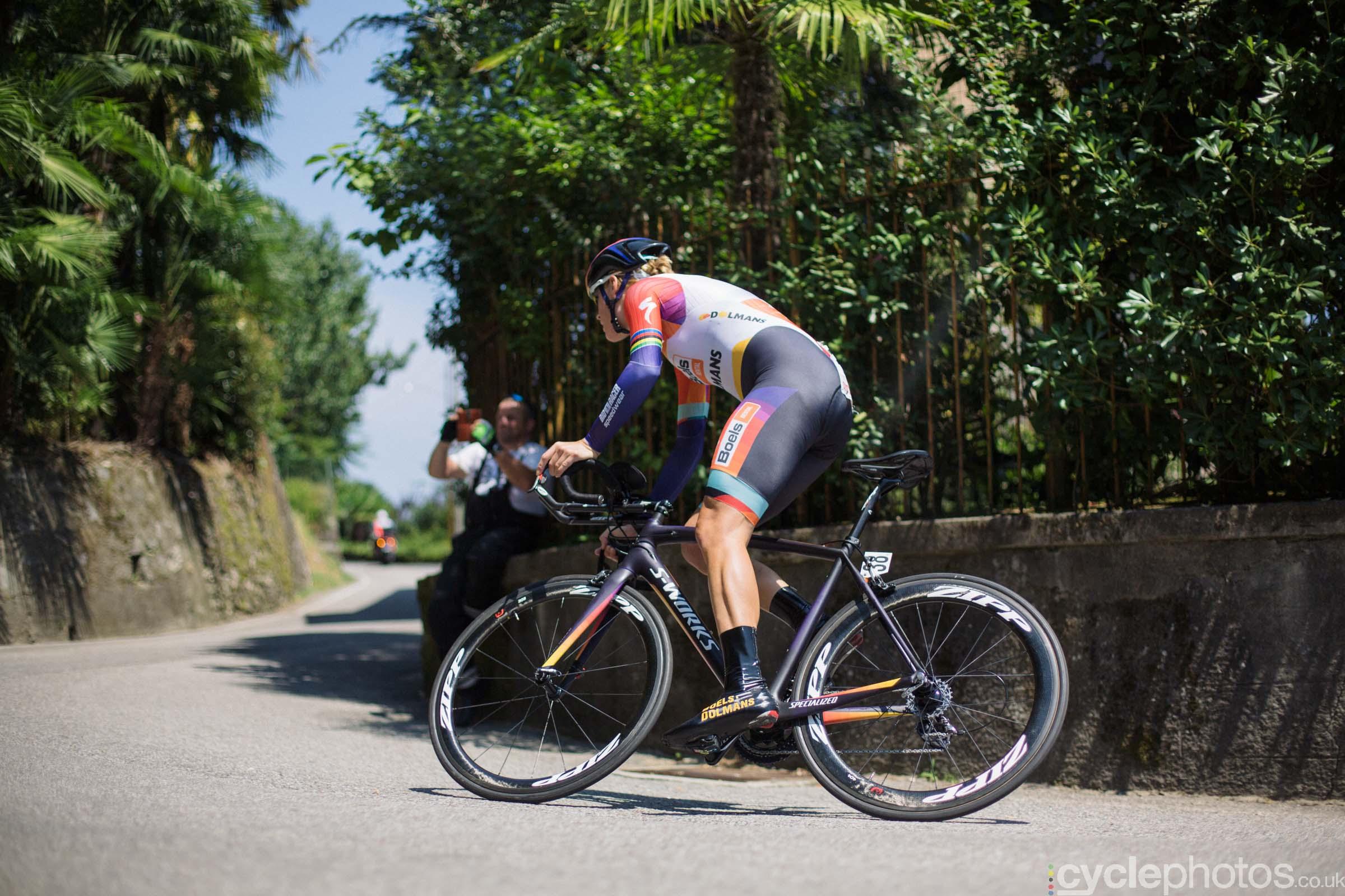 Ellen van Dijk, one corner later, during the 8th Stage of the 2015 Giro Rosa