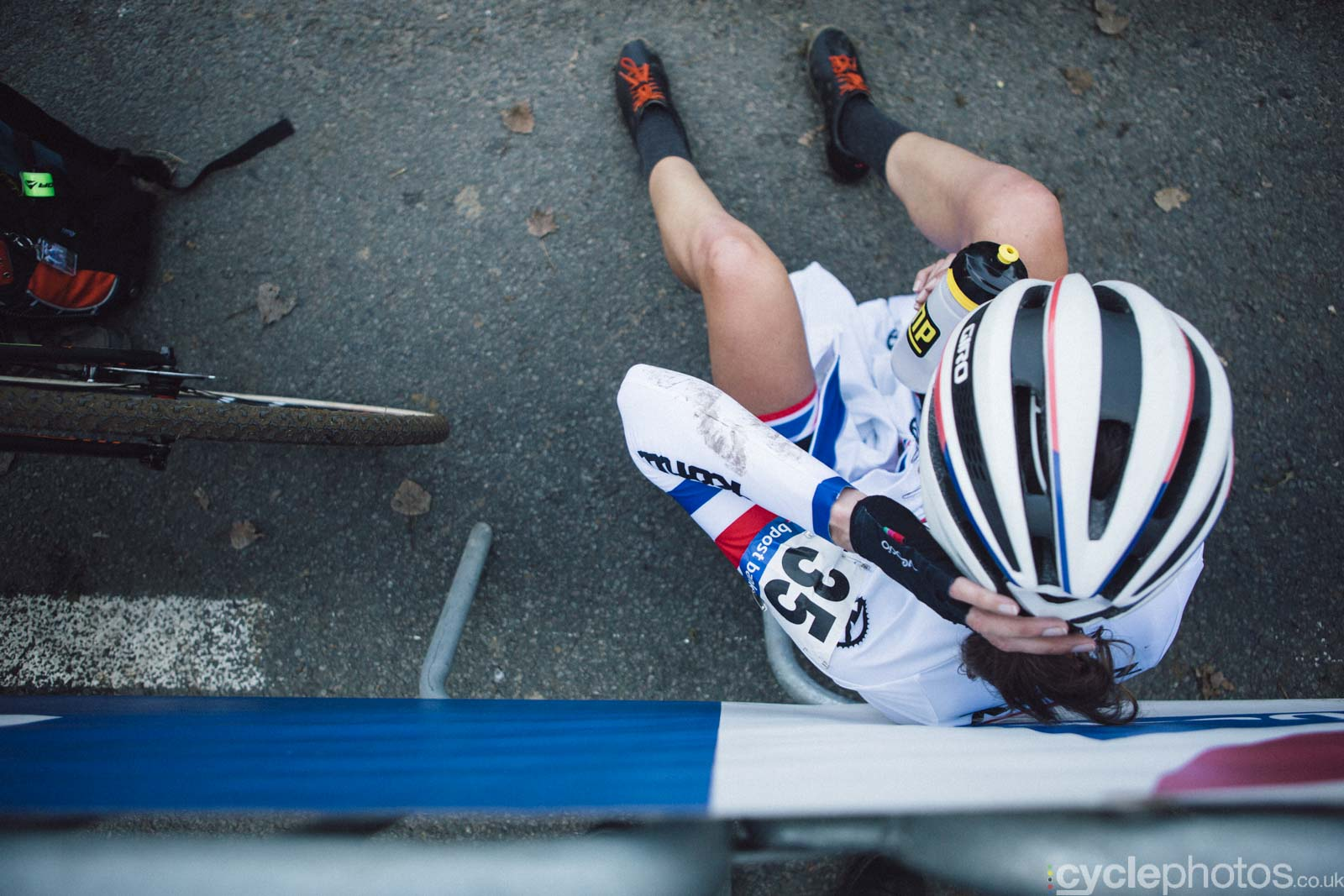 2015-cyclephotos-cyclocross-ronse-143446-helen-wyman