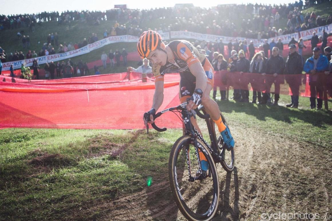 2015-cyclephotos-cyclocross-ronse-153716-wout-van-aert