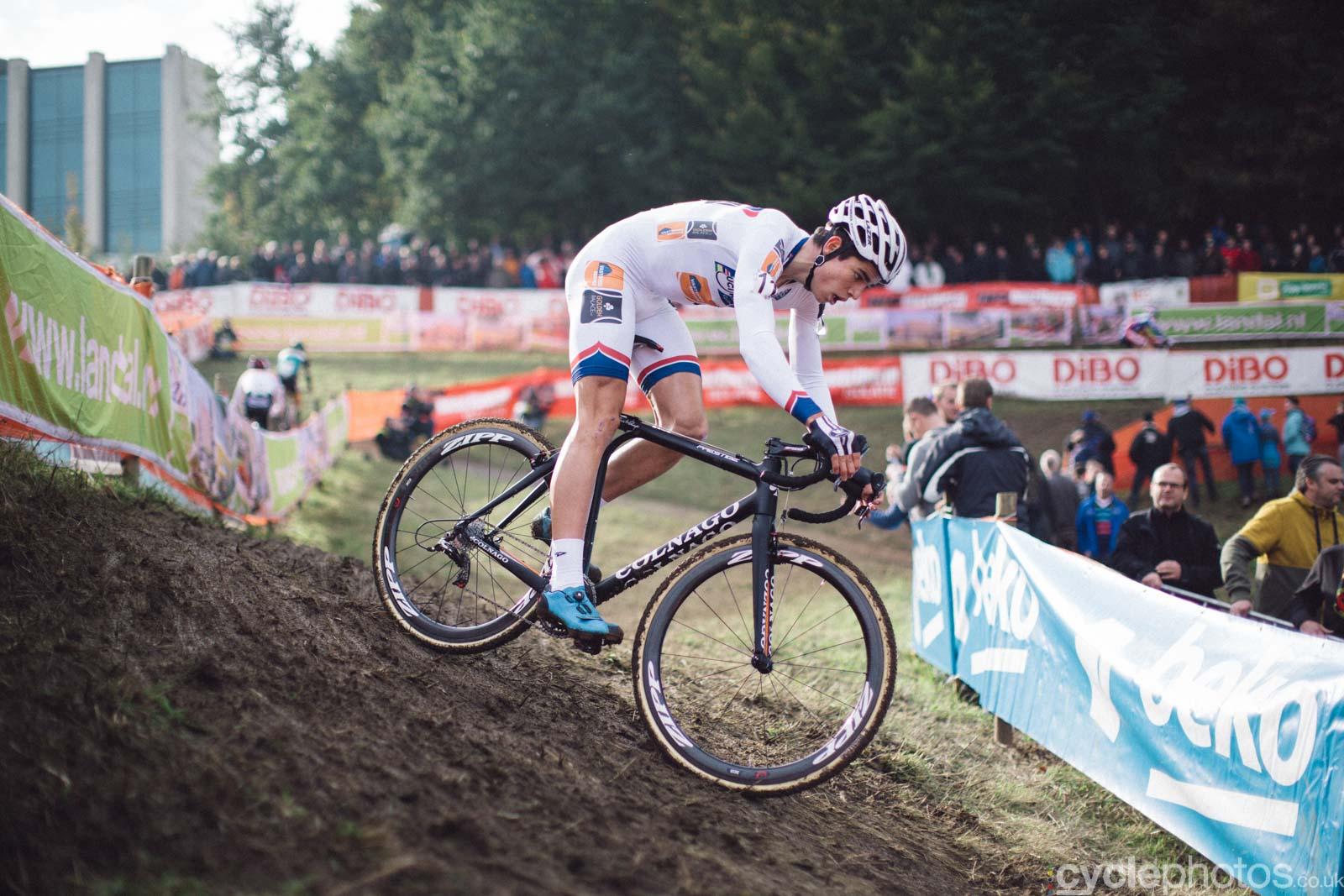 2015-cyclephotos-cyclocross-valkenburg-150855-wout-van-aert