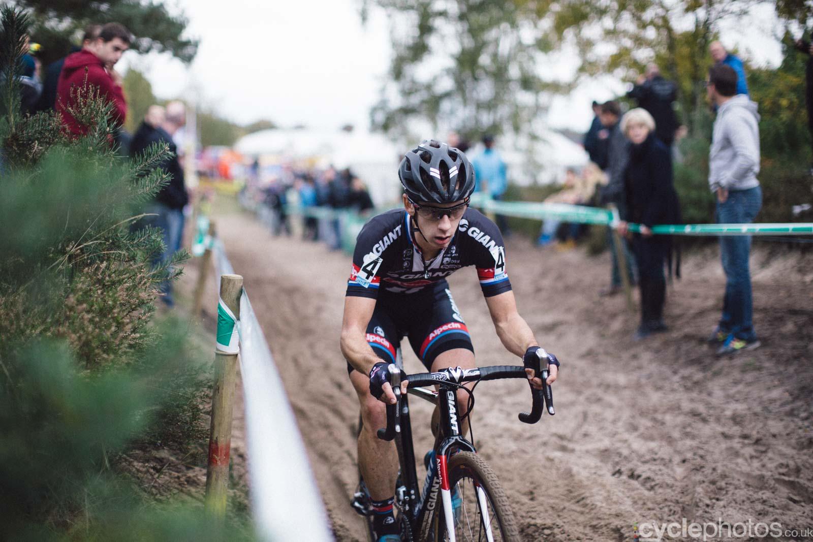2015-cyclephotos-cyclocross-zonhoven-164735-lars-van-der-haar